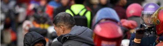 """2019春运首日农村 """"铁骑大军""""凌晨返乡,中国石油继续爱送行"""