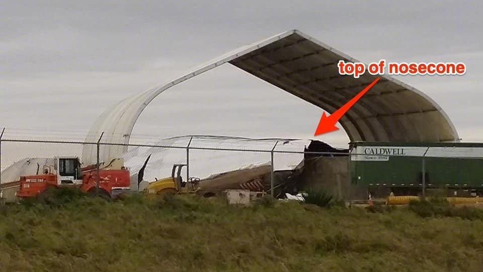 前段时间,埃隆马斯克在推特贴出了装配完成的星舰初号试验机的照片