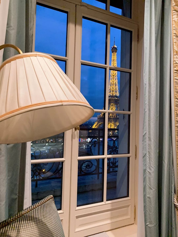 巴黎,看得见铁塔的房间