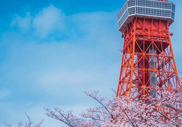 东京塔诞生以前,世界上第一高塔是法国巴黎的艾菲尔铁塔