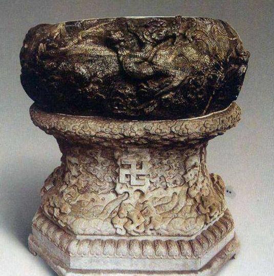 最憋屈的国宝:元朝铸造乾隆御诗,700年历史却腌了300年咸菜
