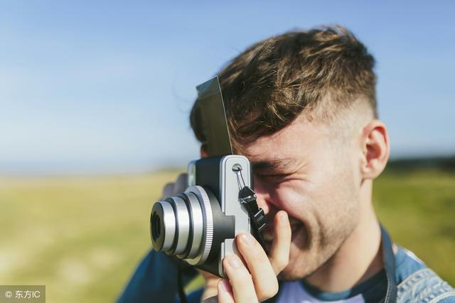 预置白平衡是专业数码相机的重要功能之一