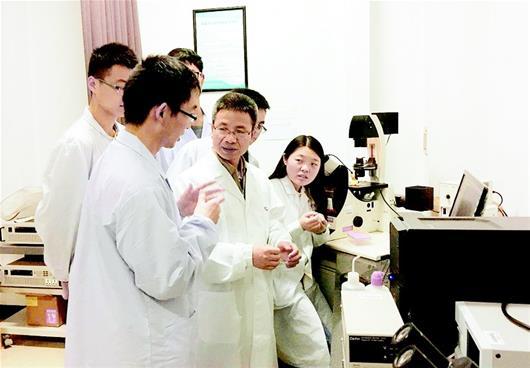 武汉理工大学在微纳米马达研究方面取得突破性进展