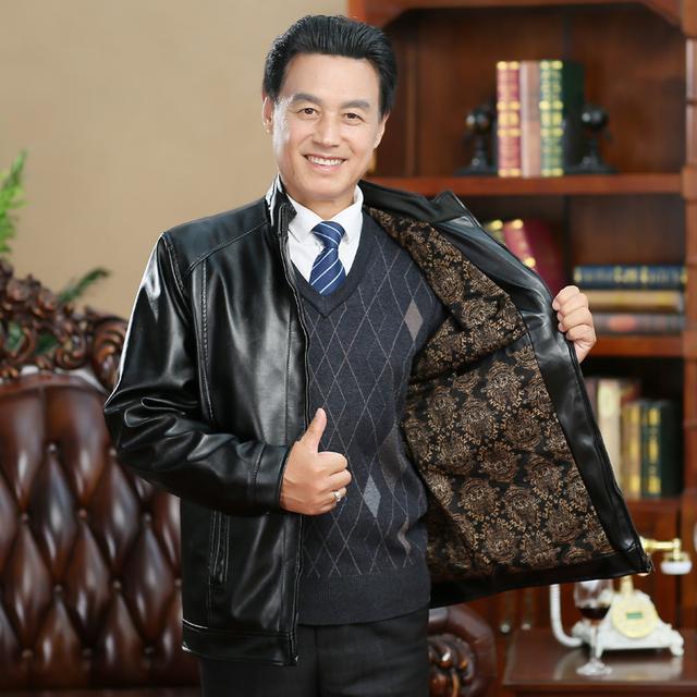70后中年人,别再穿西装打领带,学学上海人这样穿,年轻又气派