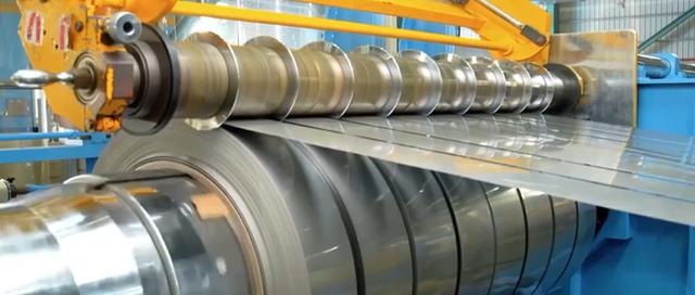 中国诞生全球最薄不锈钢 可用手撕开 400元只能买A4纸大