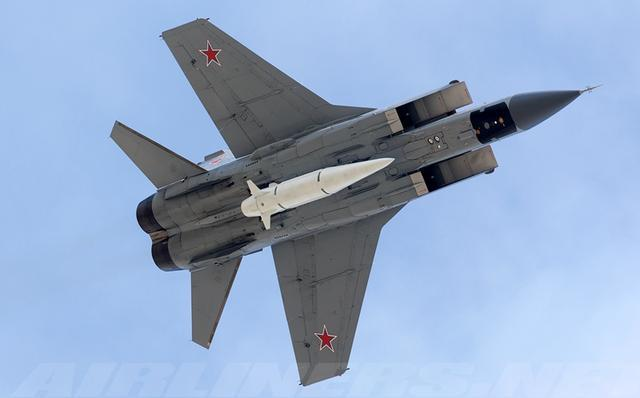 """俄军重新启用""""不锈钢战士"""",极速超过3马赫,超越现役所有战机"""