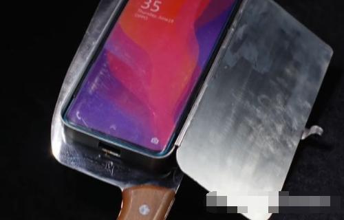 网红发明专打造不锈钢奇怪制品,菜刀竟能制成手机壳,真叫人赞叹