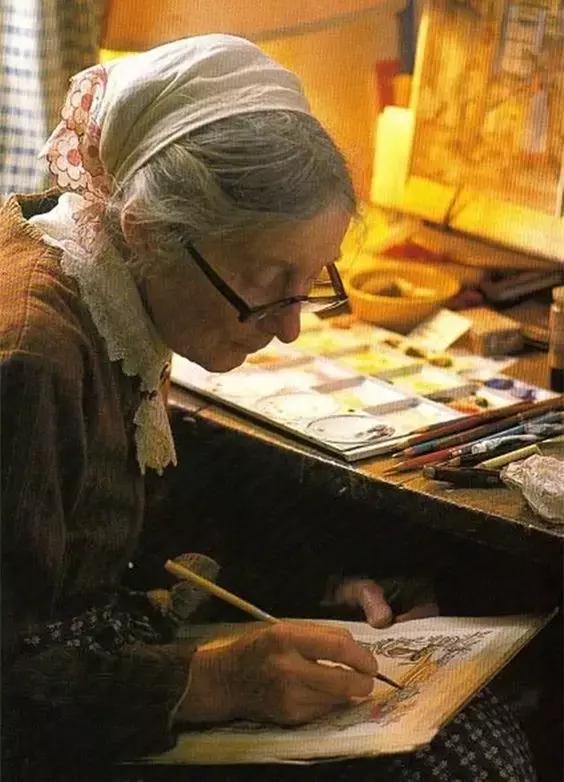 92岁的塔沙奶奶隐居山间,如仙女般把生活过成油画般梦幻!