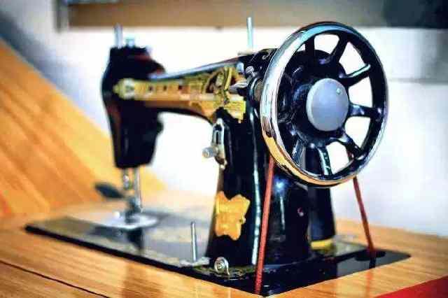 七八十年代的缝纫机,现在值多少钱?后悔我家卖早了!