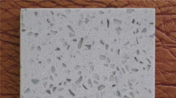 """新房装修选""""石头"""",石英石和人造石选哪种,师傅说这么来最好"""