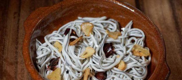 """西班牙版的""""小龙虾"""",曾是喂鸡喂猪的饲料,如今却被吃到濒危"""