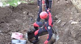 挖掘机师傅接到电话,电话那头让他困惑:要他用机器救母牛