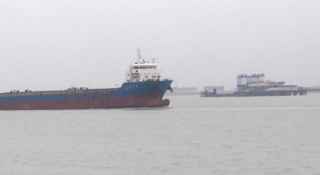 新春走基层|张家港海事交管中心:24小时值守维护长江航运安全