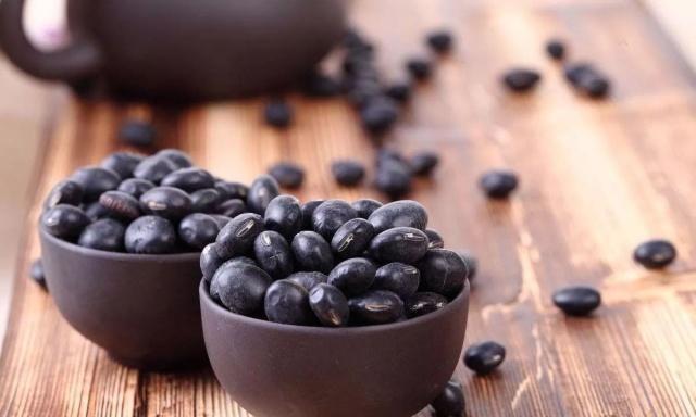 邻居天天吃海带加黑豆,说能治疗颈椎病,这种说法是真的吗