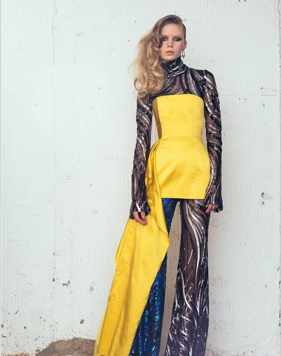 裙摆真的是非常好看,面料也特别有设计感,显得整个人有公主风