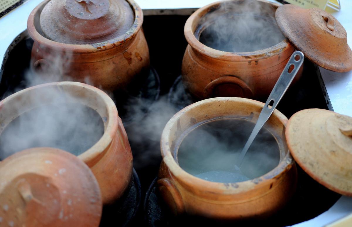 如何腌制出好吃的咸肉?低温是前提条件,美味的秘密藏在器皿中!