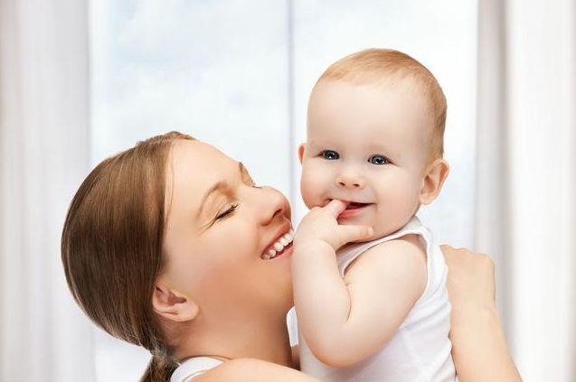 月子里宝宝,到底吃多少毫升的牛奶?吃多吃少对宝宝有影响