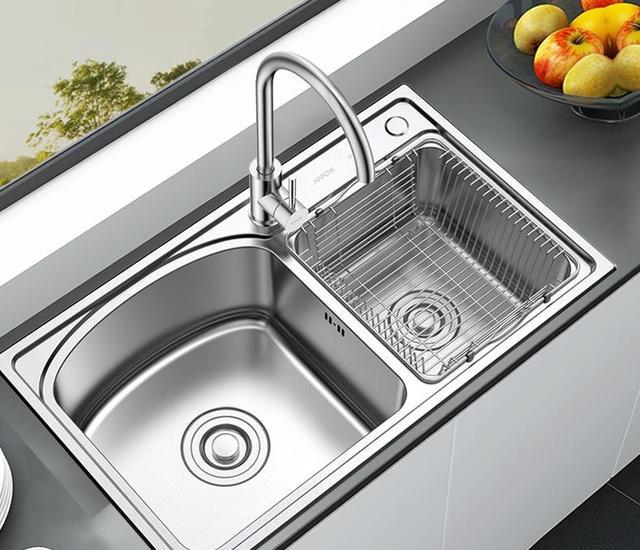 厨房装修水槽选单槽好还是双槽?我家没听师傅建议,入住就后悔了