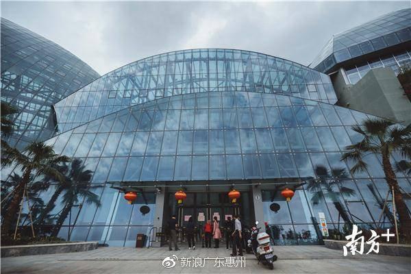 """惨遭游客""""毒手"""",损失超百万!惠州市植物园温室科普馆暂停开放"""