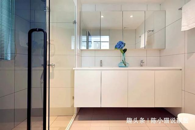 6万简装75㎡独单,厨房就一组橱柜,却有一个足足8㎡的卫浴间
