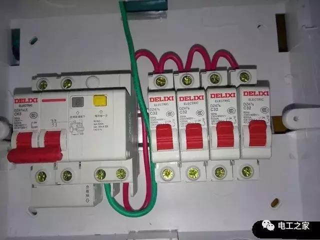 电路照明正常,电流到15A以上就跳总闸是为什么