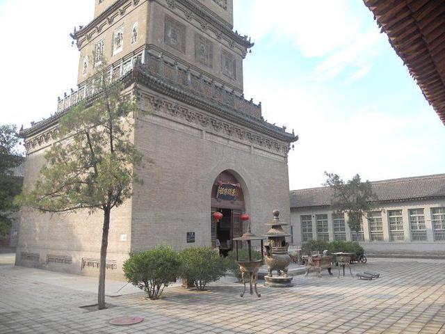 山西这座寺庙藏着世界上最大铁佛头 一千多年未生锈 铸造工艺成谜