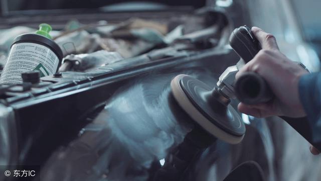 车身蒙皮的复合材料构件是玻璃纤维与树脂合成的