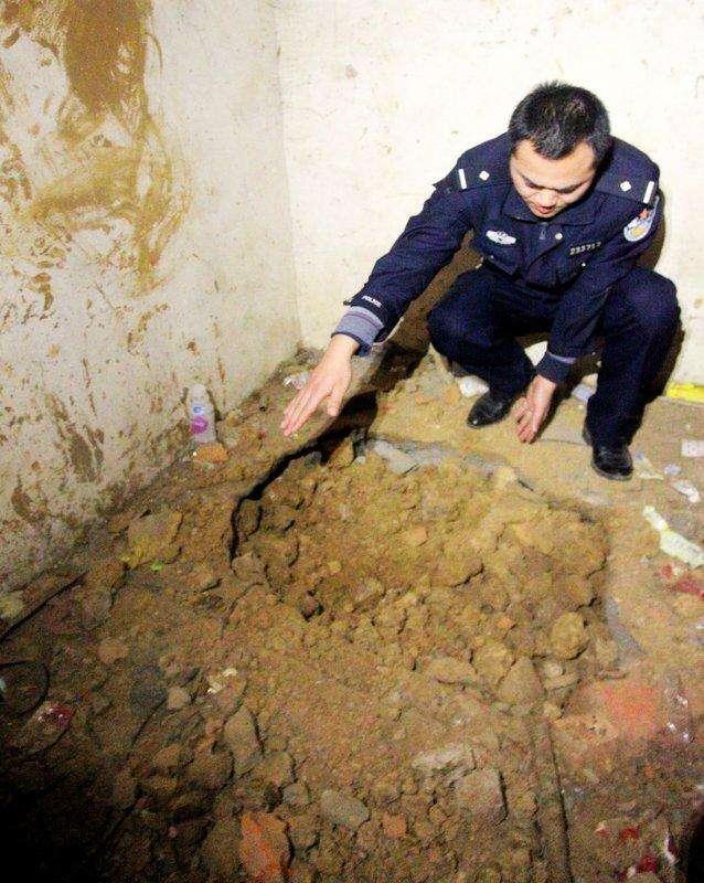 翻修学校却挖出一东汉墓,墓主仅6岁,出土一灯具,直接改写历史