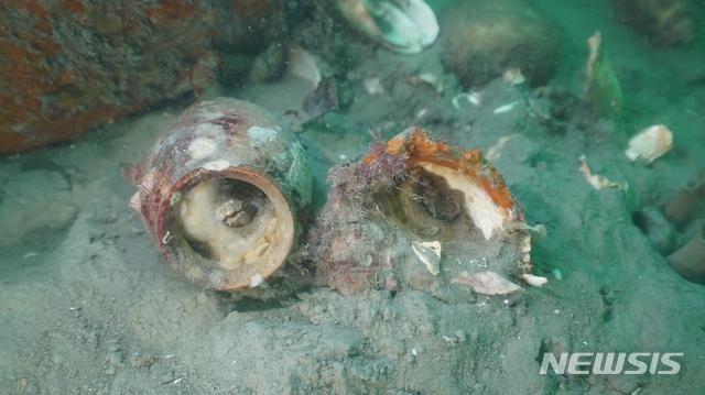 韩国海域发掘的宋元陶瓷 底部印有汉字