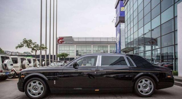 父亲是大富豪,他吃喝花过亿,一辆豪车八千万,顶级音响两百万