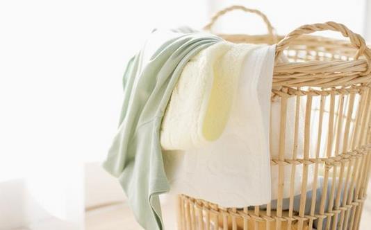 洗染发剂弄到衣服上怎么洗