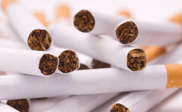 只需一根烟钱,就能让纱窗洁净如新,实用又不贵的好方法