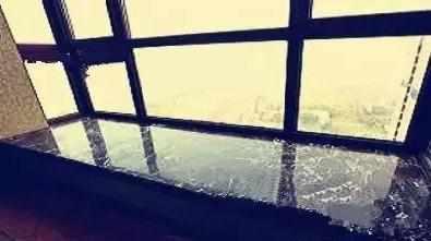 纠结飘窗台面大理石好还是人造石好?
