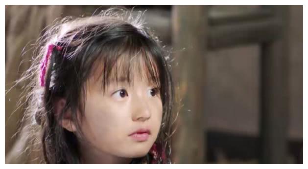 她6岁因为童装照走红,被王思聪关注,如今长大成了这般模样