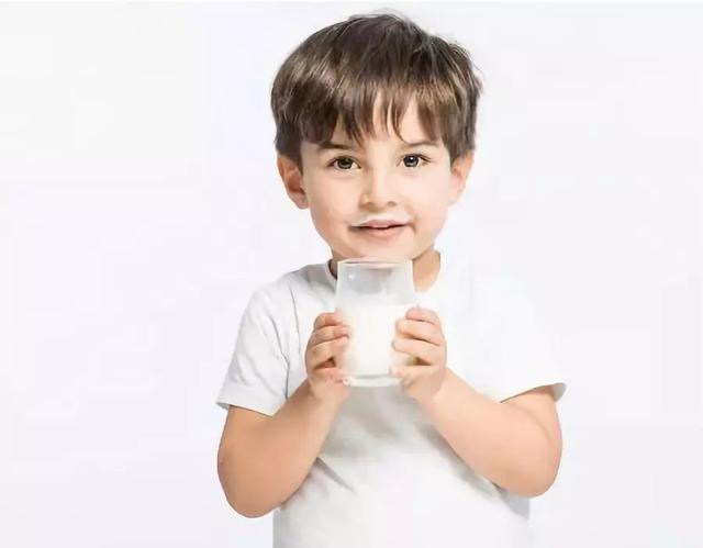 当孩子误吞温度计中水银,请家长立刻这样做!