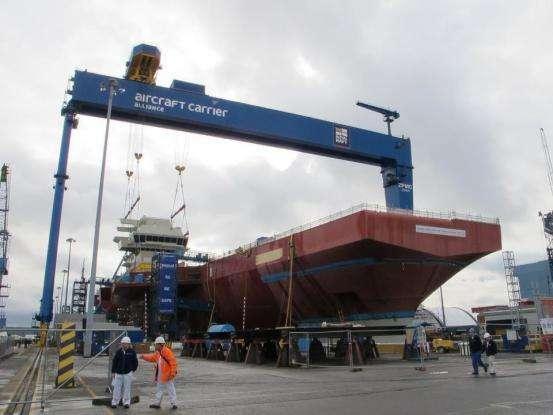 美军舰造船厂起重机出现汉字标志,该骄傲还是窃喜,中国制造的