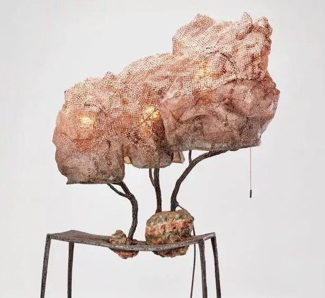 他设计的椅子会说话,台灯能生长