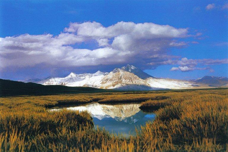 中国这个县水资源丰富,处于喜马拉雅山北麓,新藏线贯穿全境