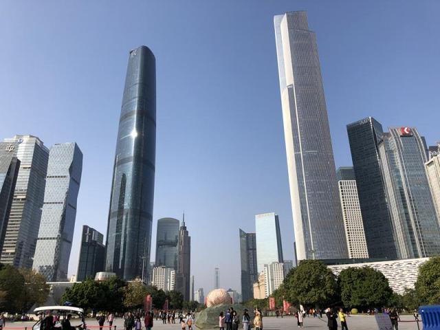 80后坐拥十几个商场,还有3栋5百米写字楼,更手握400亿平安股票