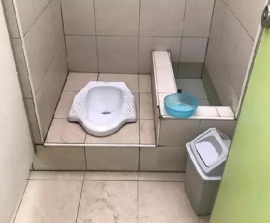 为何在泰国厕所里,大多都有一根软管?