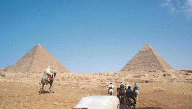 """为何金字塔会被质疑""""造假""""?建造石料的成份,绝非公元前的东西"""