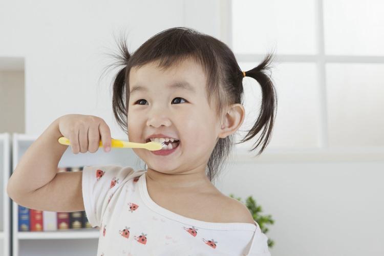 孩子烂牙怪糖果?不!是父母的这3个习惯导致的,你犯过吗?