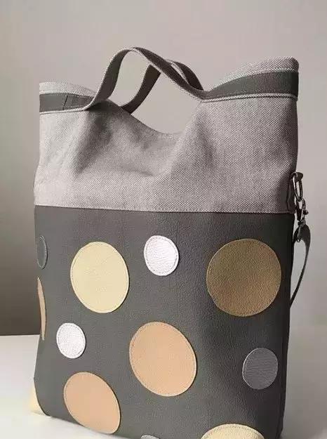 「布艺作品」简单美丽的手袋包包,很容易模仿哦,好多姐妹都喜欢