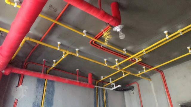 """水电改造,厨卫走线选""""横平竖直""""还是""""两点一线""""?总算搞懂了"""