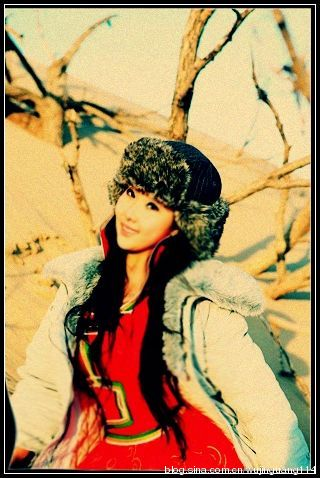 实拍:令人惊艳的蒙古族美女服饰(图)