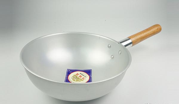 厨具选购 篇八:家庭的C位锅具之炒锅怎么买——材质篇