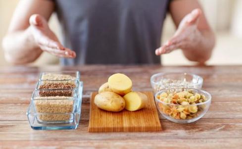 饮食卫生很重要,6个错误饮食习惯,几乎都有人中招