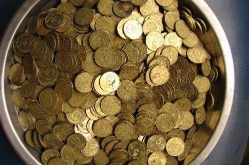 """王大爷找到一枚""""签字版""""5角硬币,以为价值上万,专家:废铜"""