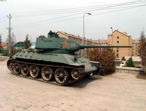 坦克的油箱容积有多大?为什么被称为油老虎