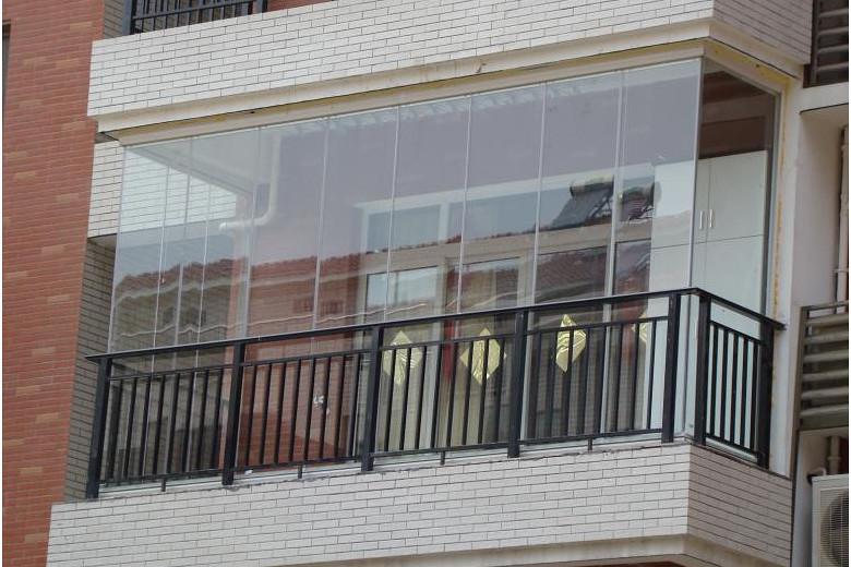 阳台装修万万不要用铝合金窗,如今流行用这种代替,安全又美观